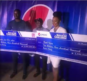 #BBNaija: Ifu Ennada And Leo Receive Their N5million Win From Pepsi (PICTURES)
