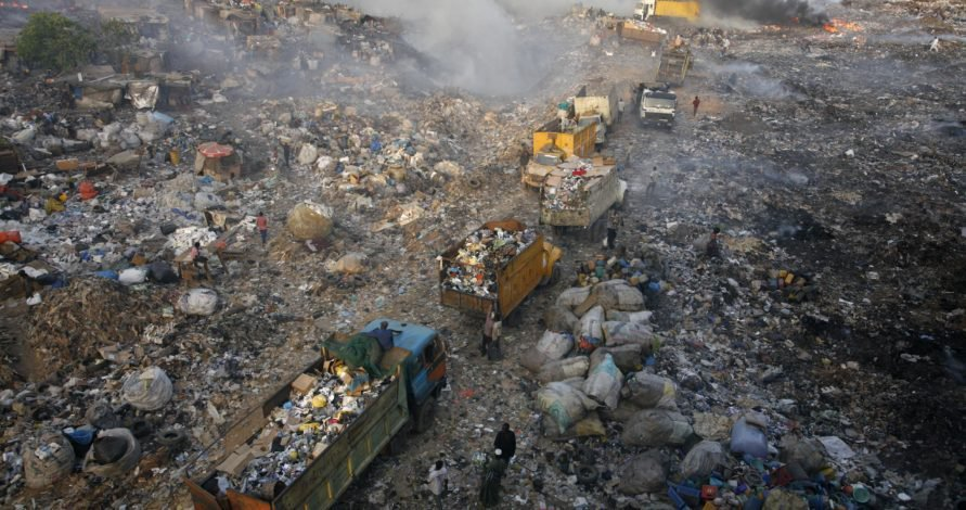 Commercial Red buses burnt as Olusosun dumpsite catches fire