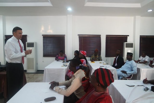 ambassador syminton interacting with alumni at the workshop in abuja1109547834
