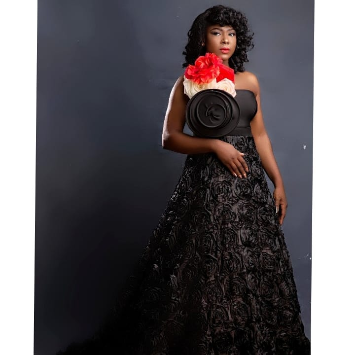 Actress Susan Peters marks her 38th birthday with lovely pictures