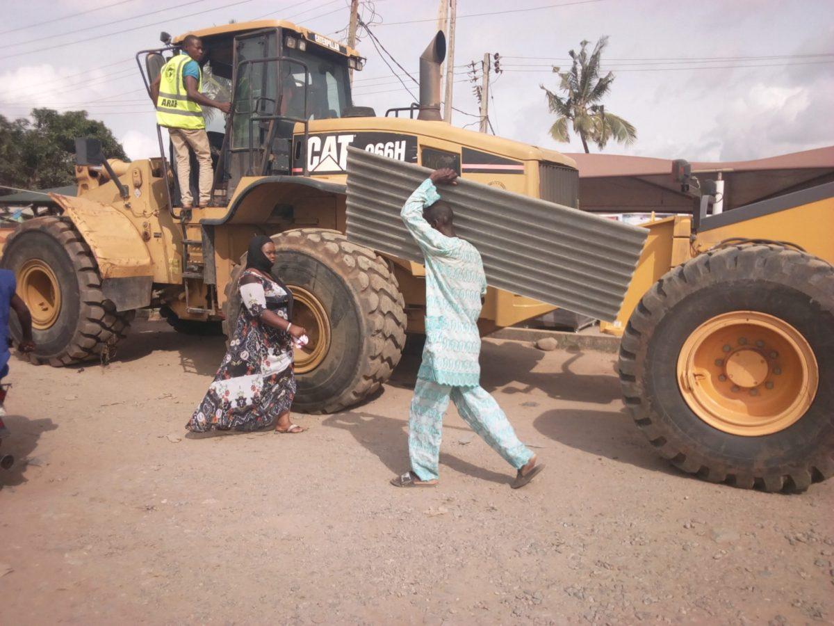 Breaking News - Fashola flags-off reconstruction of N20.8bn Ikorodu-Shagamu Expressway project