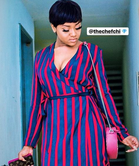 Fans React As Davido's Girlfriend, Chioma Steps Out In Braless Outfit (Photo)