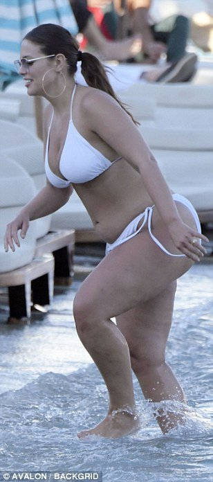 Ashley Graham flaunts her Boobs and sizzling figure in barely there bikini 3
