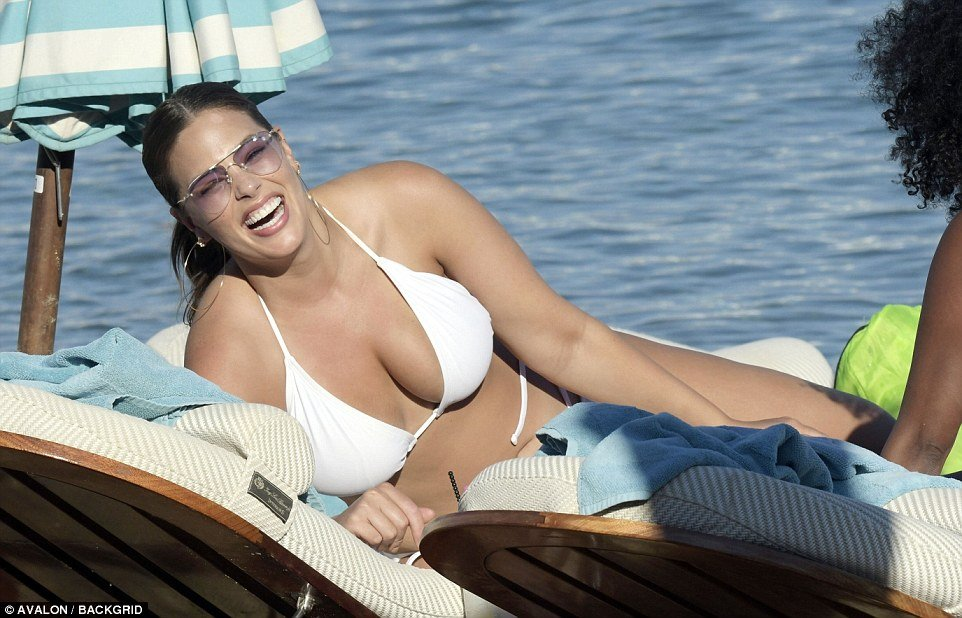 Ashley Graham flaunts her Boobs and sizzling figure in barely there bikini 4
