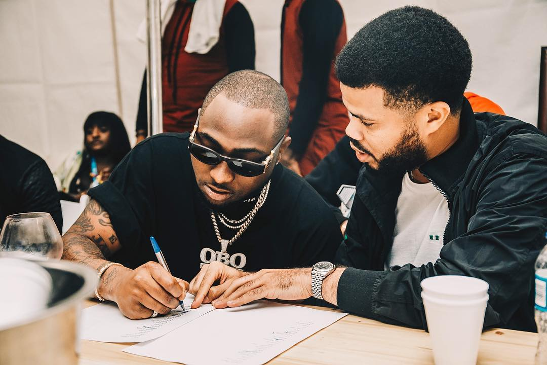 Singer Davido Gives Another Fan ₦1 Million, as he continues to rise by lifting others