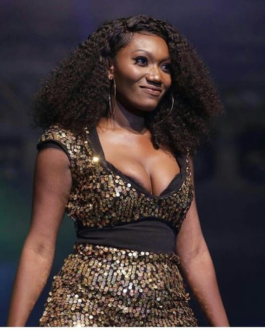 Wendy Shay's N**ples pop out At The BF Suma Concert