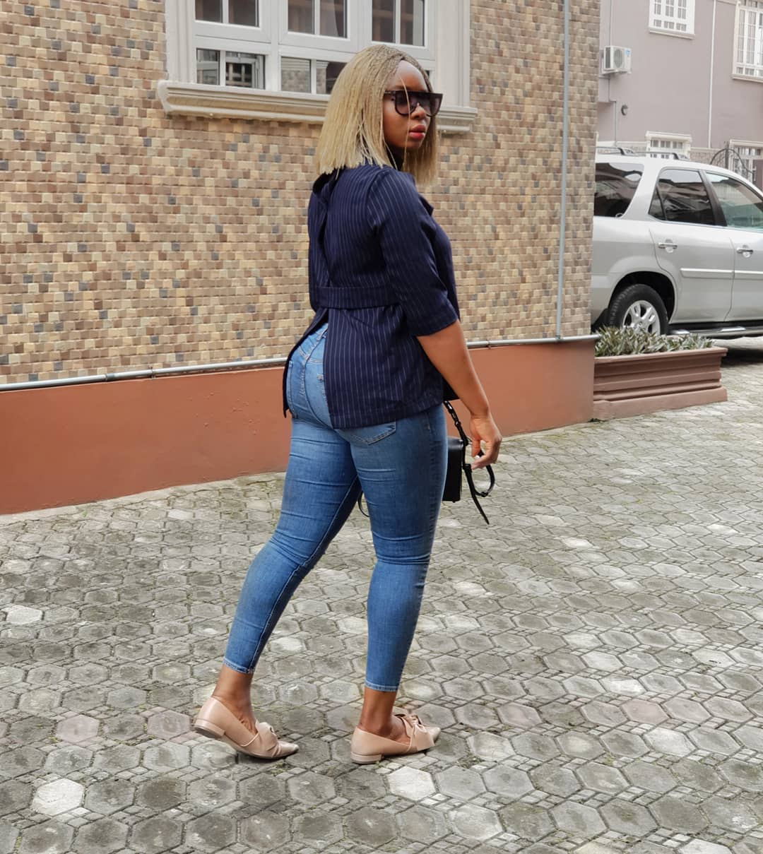 Yemi Alade Shows Her Massive 'back' In New Photo