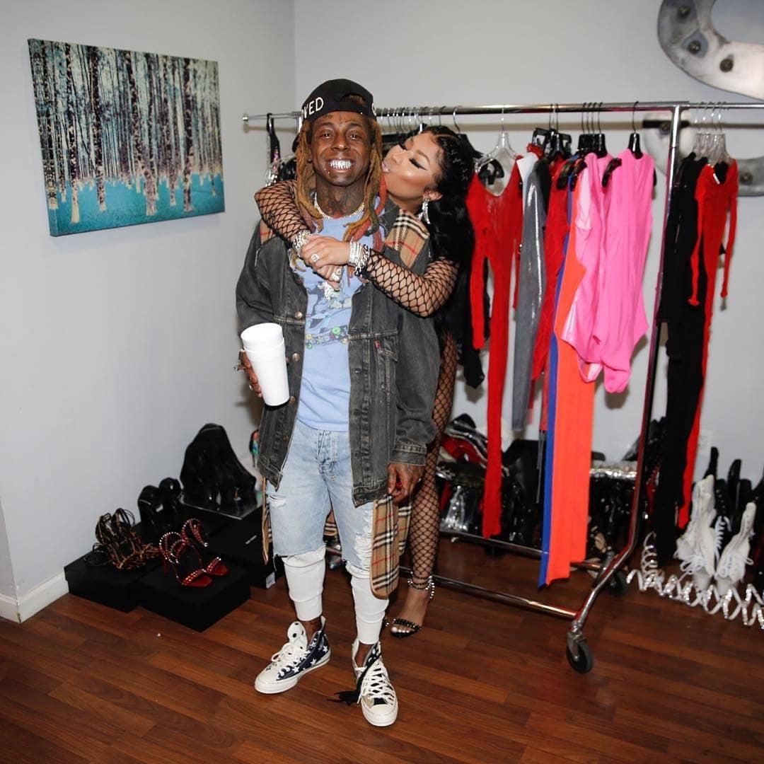 Nick Minaj Kisses Lil Wayne as they Hangs Out Together