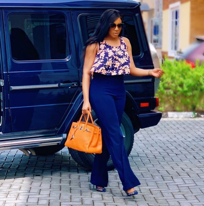 Chika Ike sizzles in New photo,says Not Everything deserves your attention