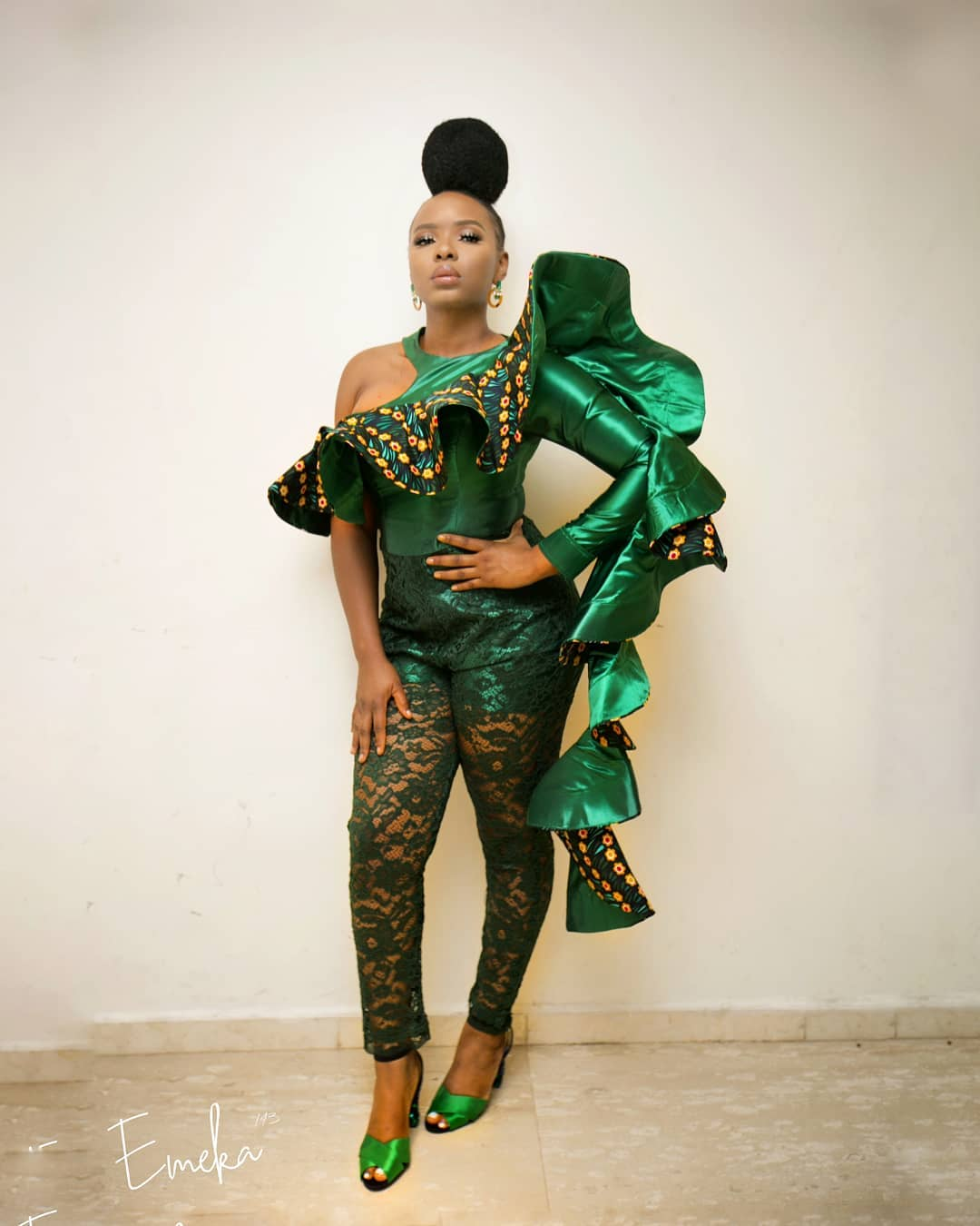 Yemi Alade shows off her massive bum bum in the Most Sexy Outfit
