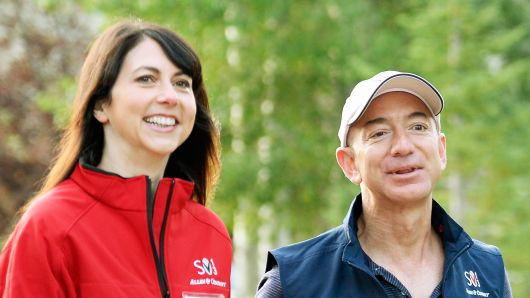 Amazon CEO and World richest man, Jeff Bezos divorces his wife, MacKenzie after 25 years
