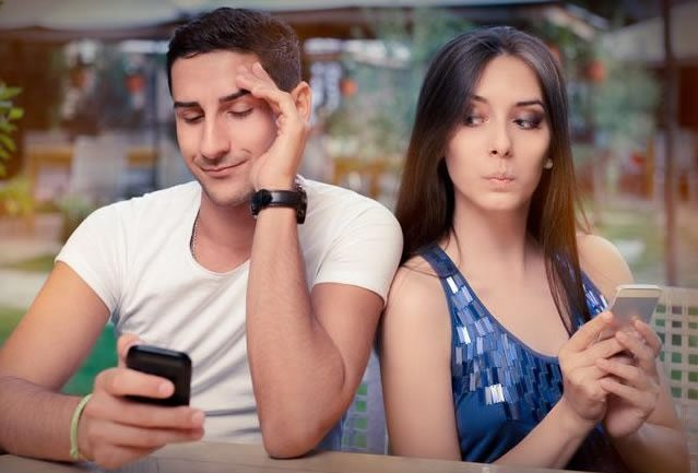 5 simple ways to keep your relationship away from social media