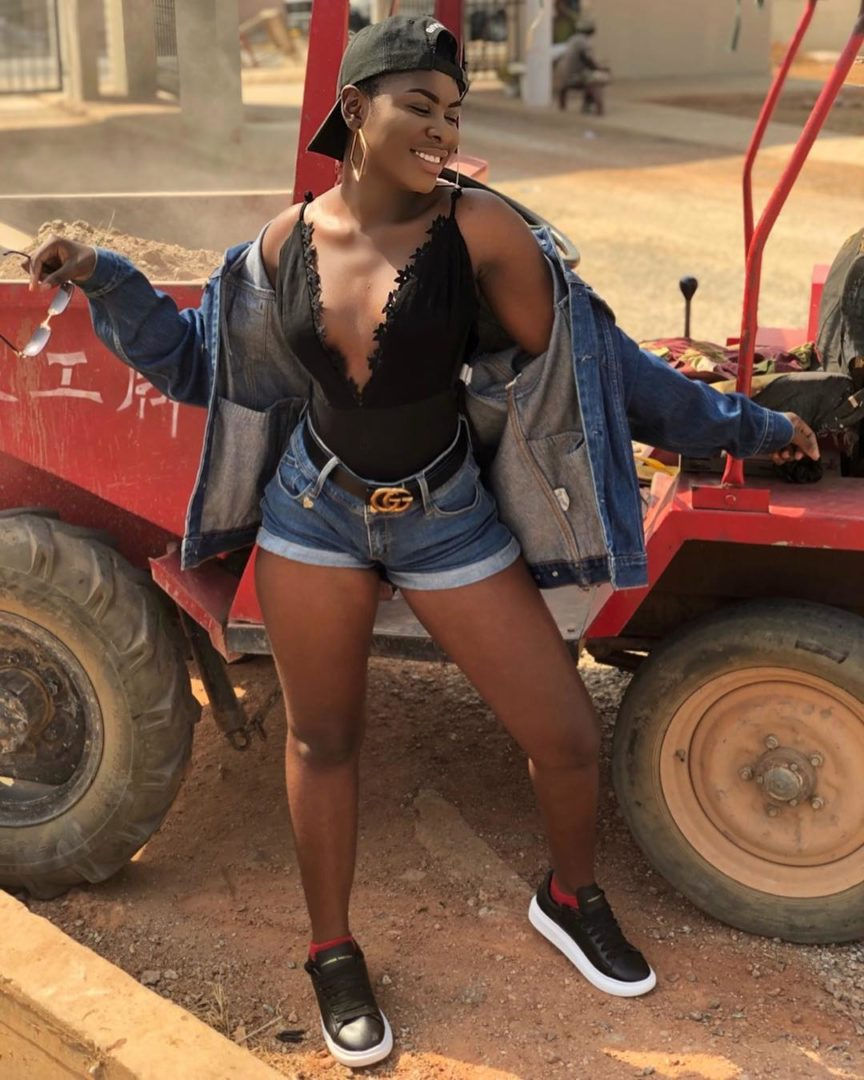 Singer Yaa Jackson Causes Confusion On Social Media With Two Hot Photos