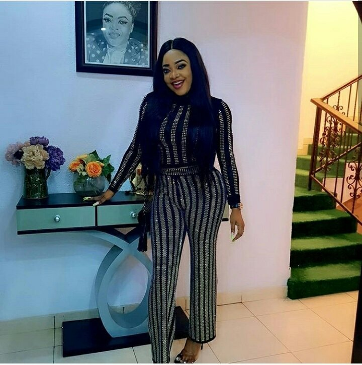 Nollywood Actress Tayo Sobola Rocks Sexy Two-piece As Sunday Outfit
