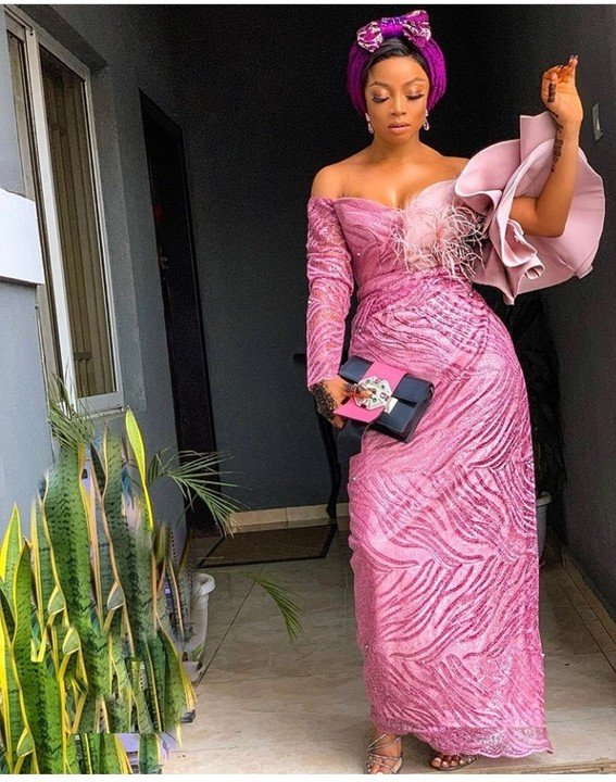Media Personality, Toke Makinwa Wows In Gorgeous Owambe Style