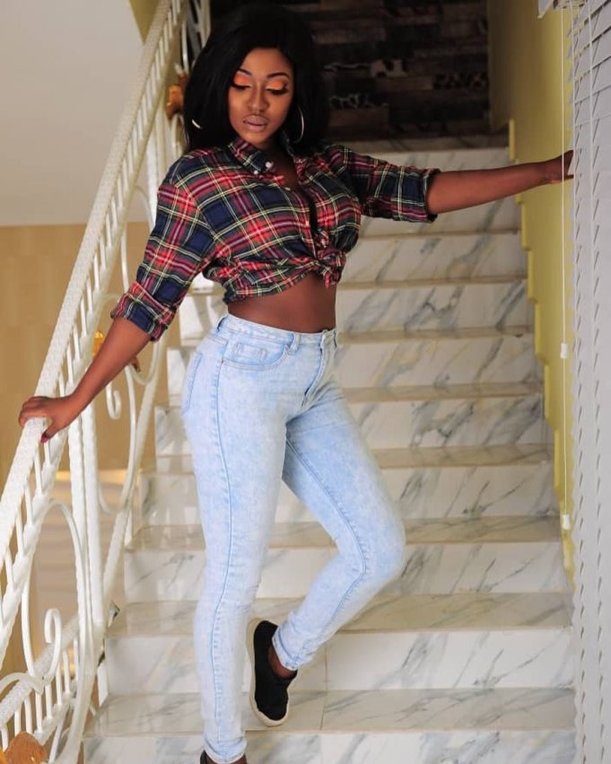 Breaking : Yvonne Jegede Packs Out As Crisis Hits Her Marriage