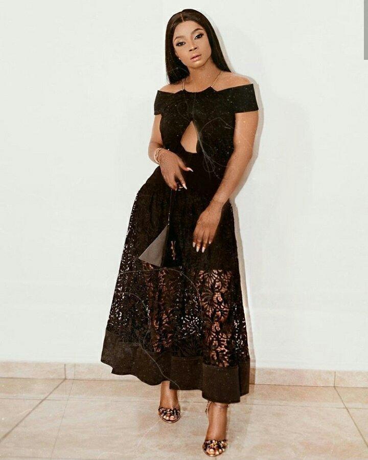 Media Personality, Toke Makinwa Stuns In New Stylish black Dress