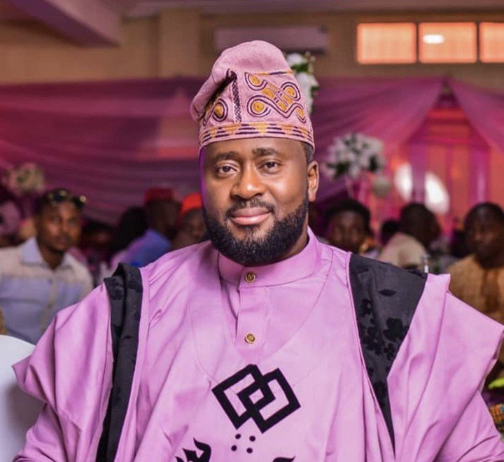Barber Asks actor Desmond Elliot Money To Buy A Generator, See his shocking Reply