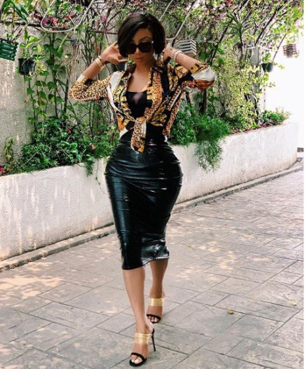 Media personality, Toke Makinwa Causes A Stir Online With Her Super-tiny Waist