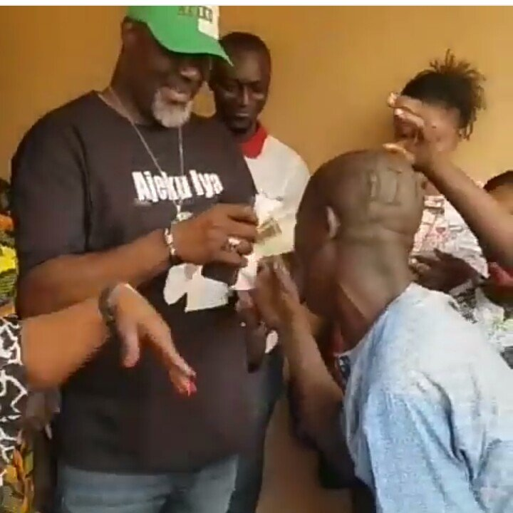 Nigerians Blast Dino Melaye For Giving His Crying Supporter N2000