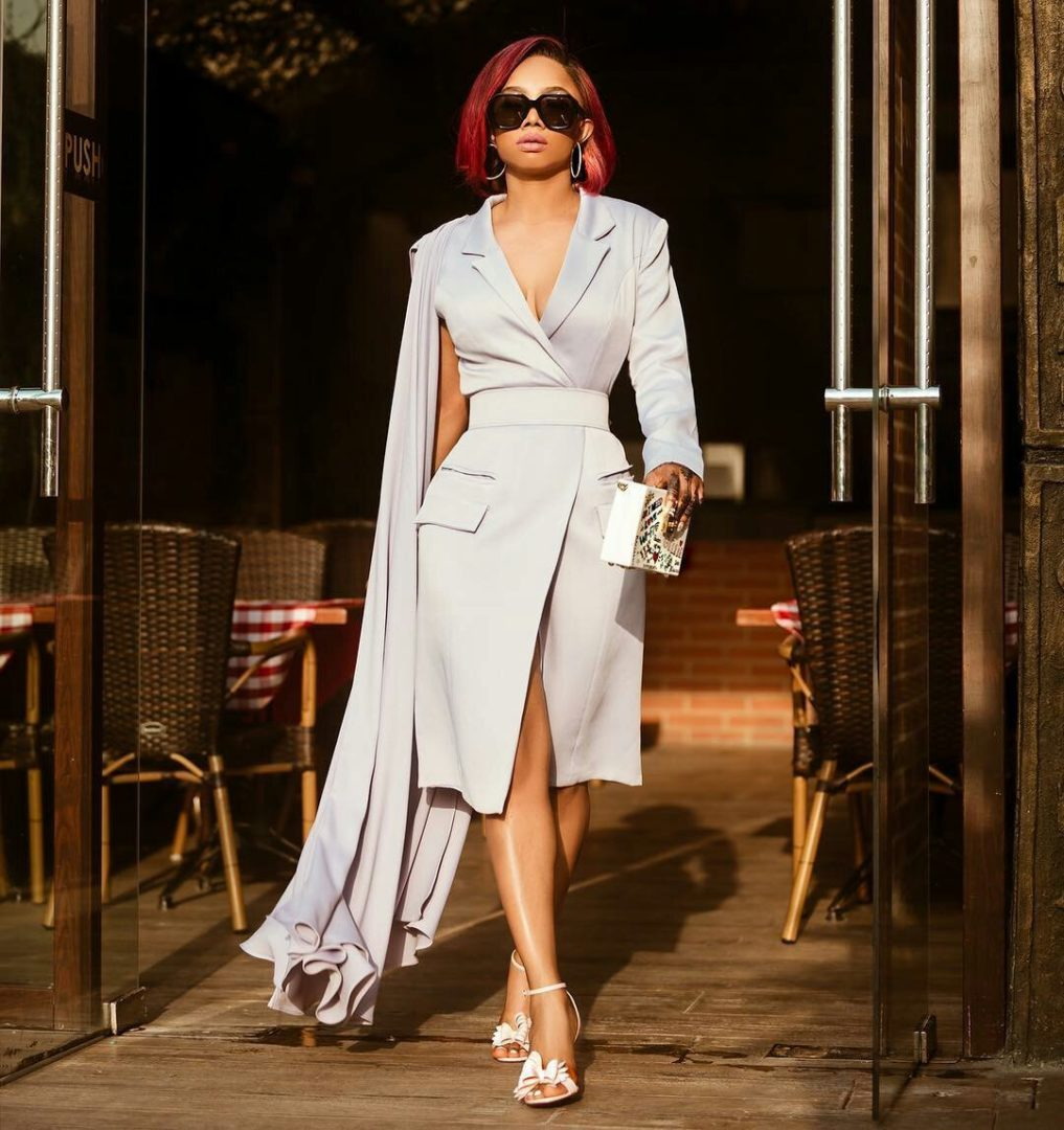 Toke Makinwa Stuns In New Photos, says she likes being extra all week