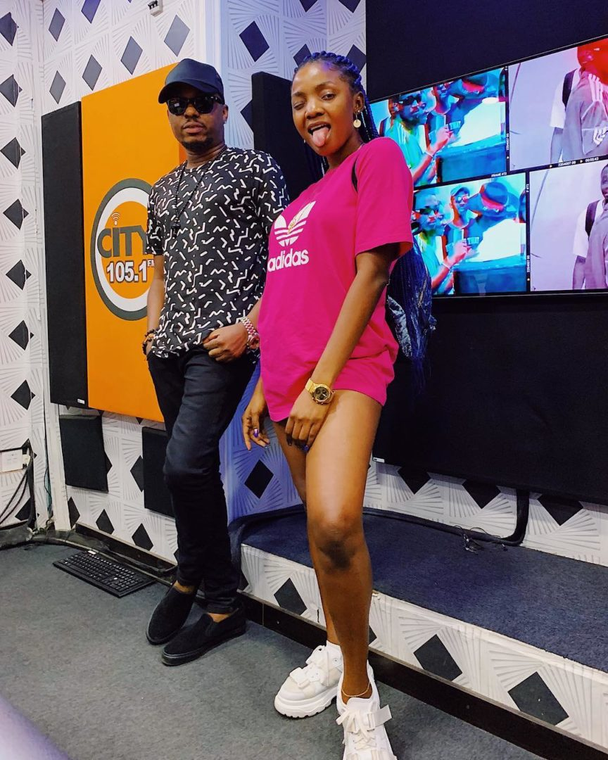 We are neither friends nor enemies - Simi replies Naira Marley over snubbing Allegations