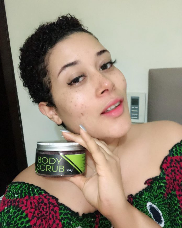 Nollywood Actress Adunni Ade shows off her spotted face with no Make up