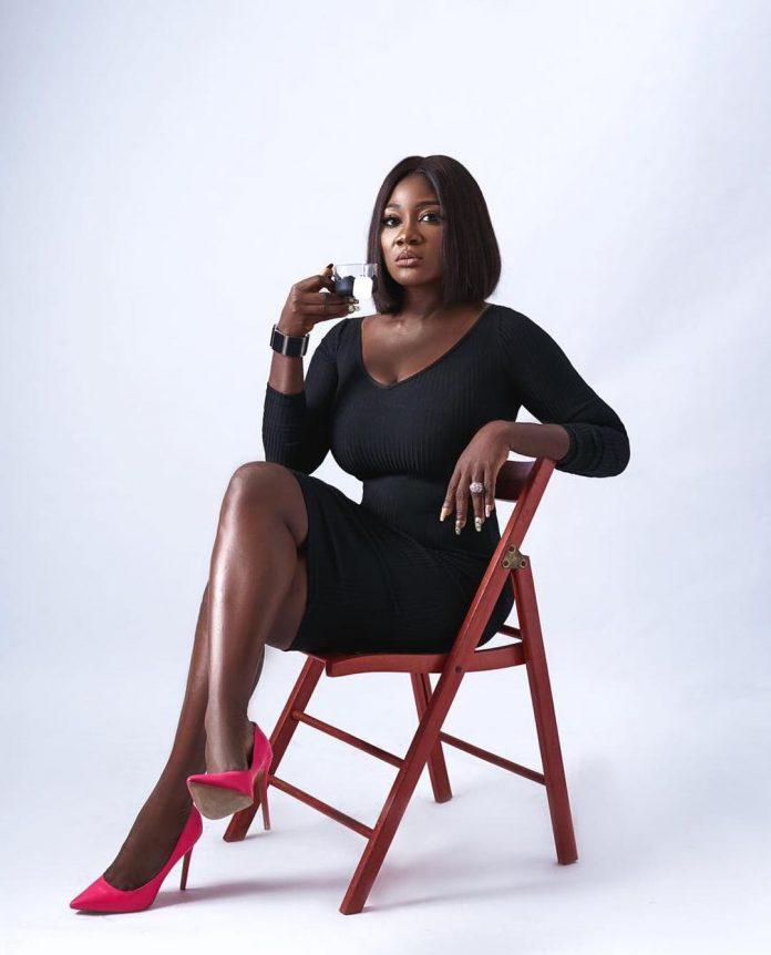 Nollywood Actress , Mercy Johnson Celebrates Reaching 5 million Instagram Followers