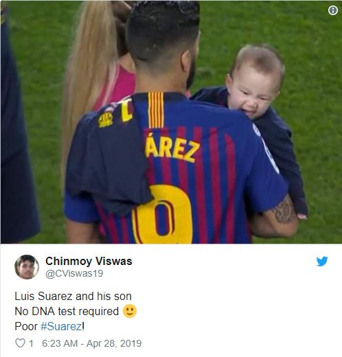 Luis Suarez Receives Bite From His Son After Barcelona Win LaLiga Title