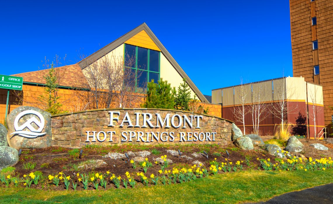 Jobs in Canada for Foreigners: Front Desk Assistant Manager at Fairmont Hot Springs Resort