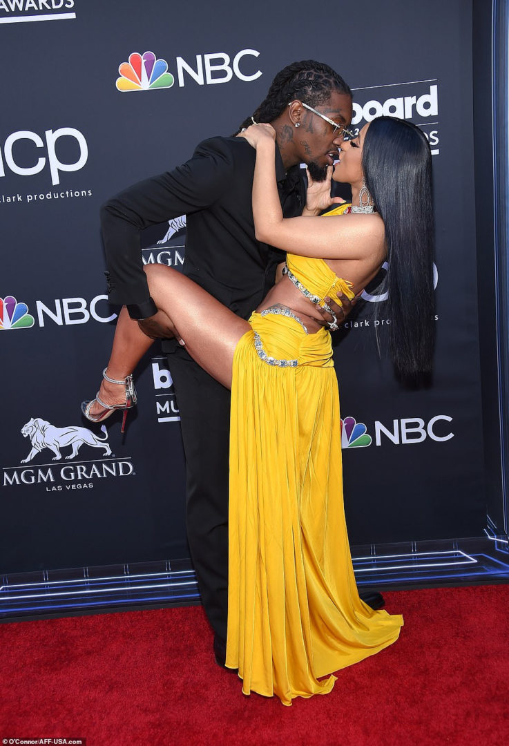 Cardi B Exposes Private Parts On Red Carpet at 2019 Billboard Music Awards