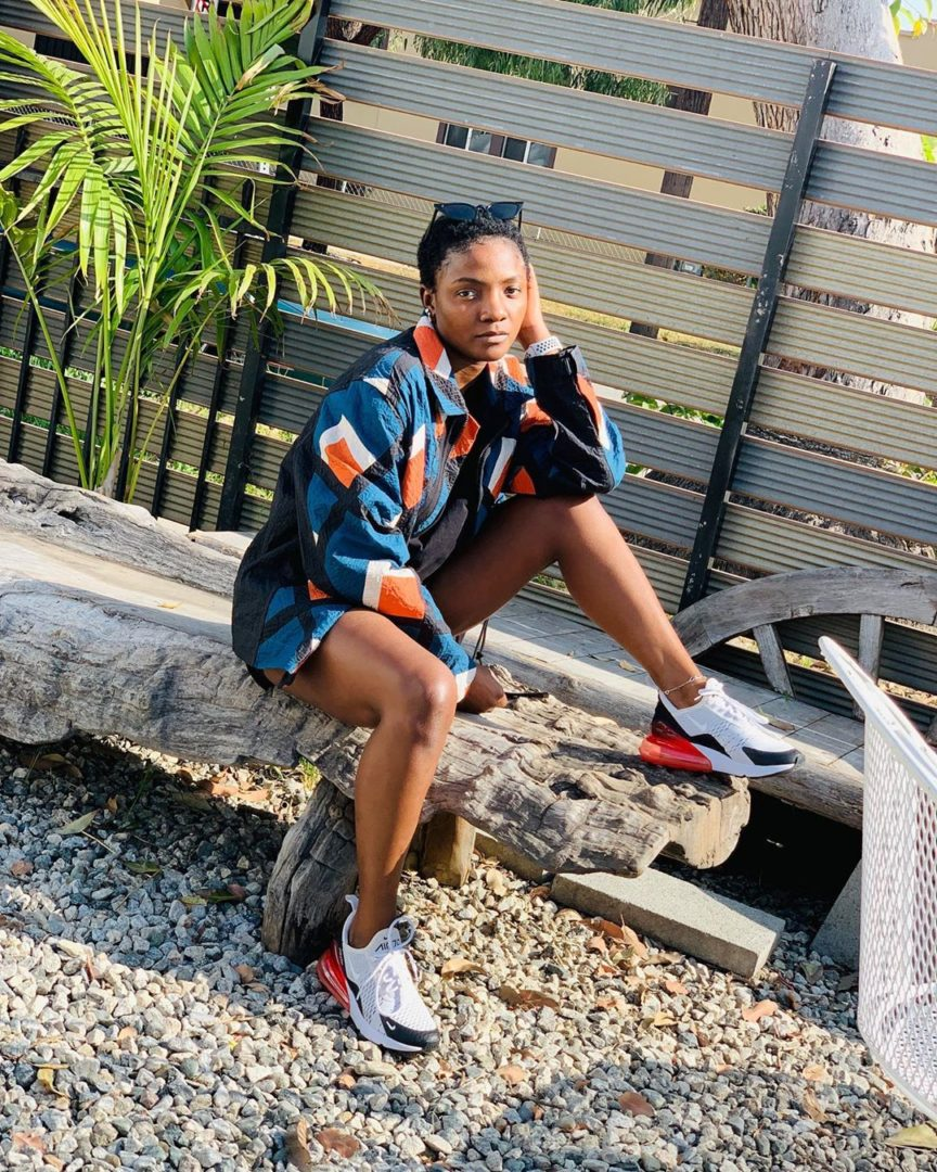 Simi Looking Gorgeous In New Photos, Says Small Sun Dem Talk Say Na Filter
