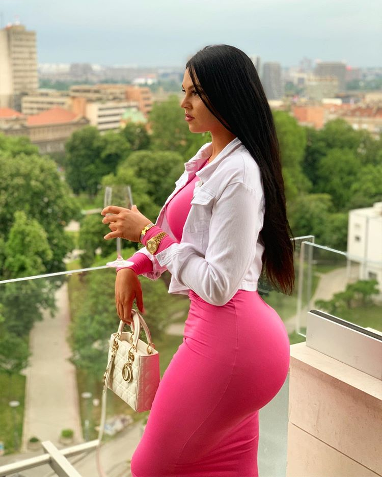 Sonia Ogbonna Flaunts Her Banging Curves In New Photos