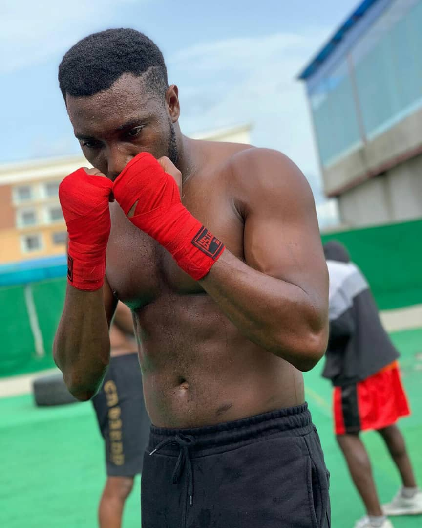 Timi Dakolo Goes Shirtless, Shows Off His Six Packs And Built Body In New Photos