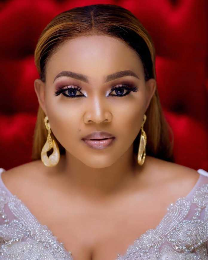 Nollywood Yoruba actress Mercy Aigbe is engaged (Photo)