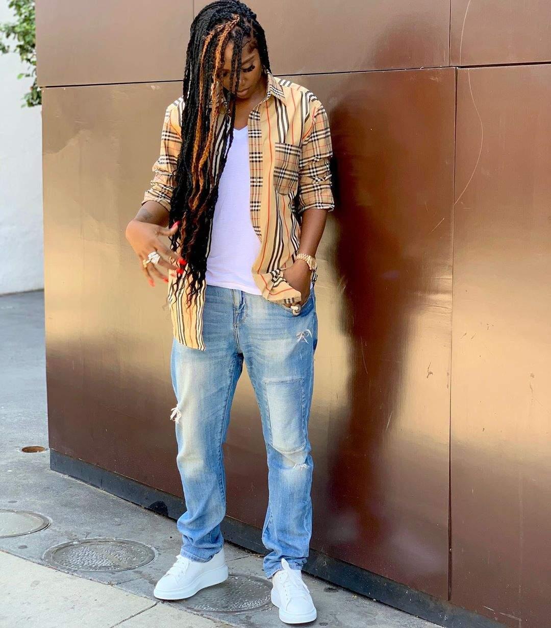 MTV Base African Artiste Winner, Tiwa Savage Dressed Like A Tomboy