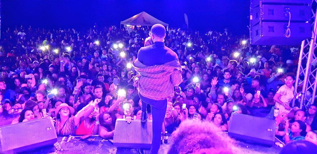 Nigerian Singer sells out 10,000 audience capacity in Honduras