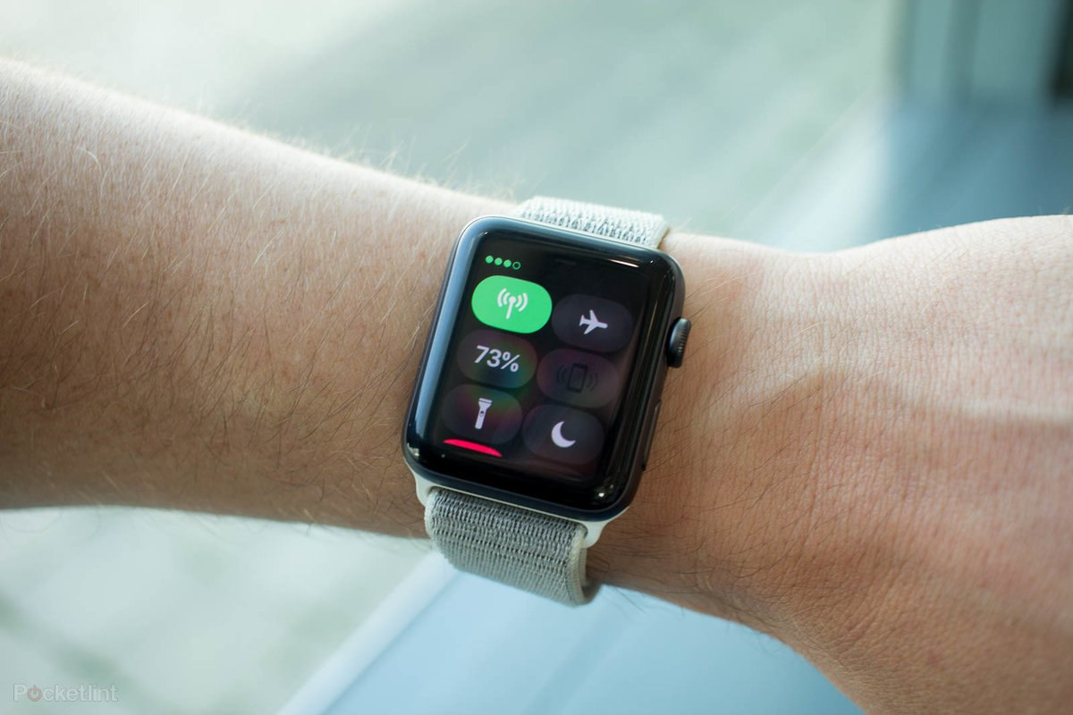 142228 smartwatches review apple watch series 3 review image5