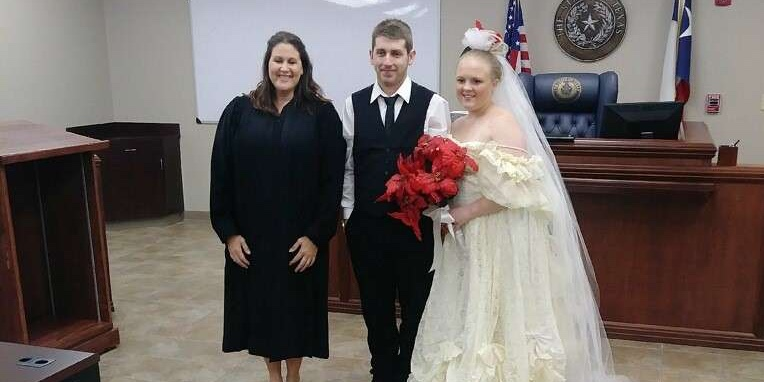 Newly Wedded Couple Dies in a Collision While Leaving their Wedding