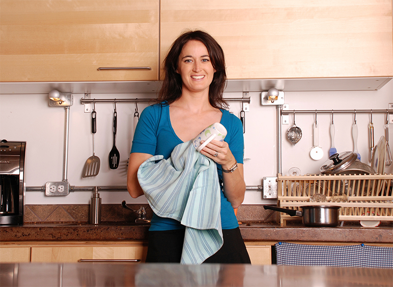 Application Now Open For Singles: Housekeepers Needed In Canada, Salary – $50,000 |APPLY NOW
