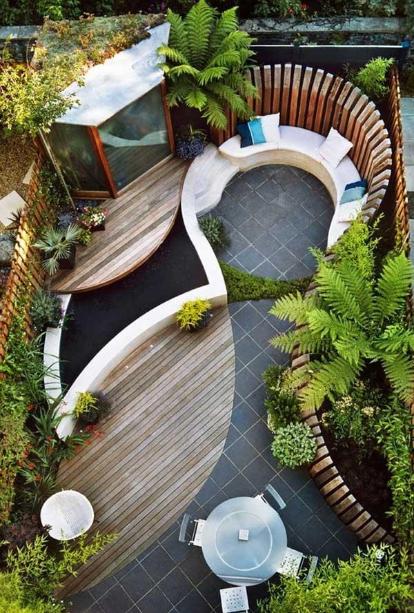 tiny courtyard 22308392956