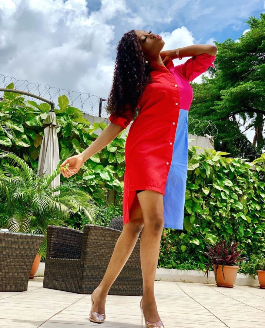 Khafi looks Amazing as she shows off her beautiful legs in Multicolored Dress