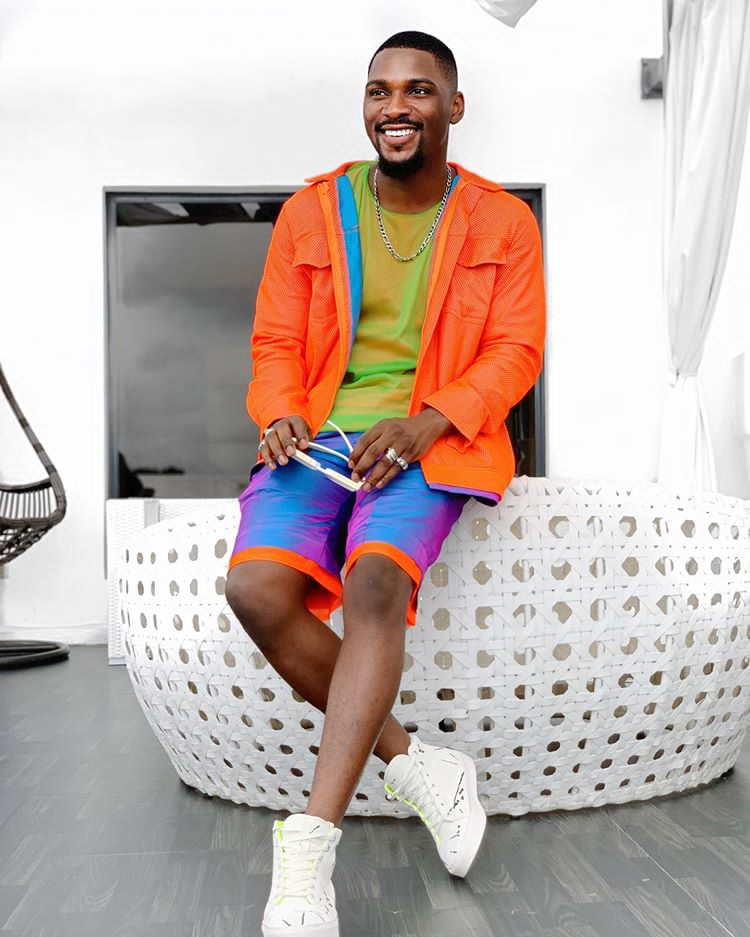 #BBNAIJA: Guy, if owu blow, who go give you money? Tobi Bakre ask as he takes time out