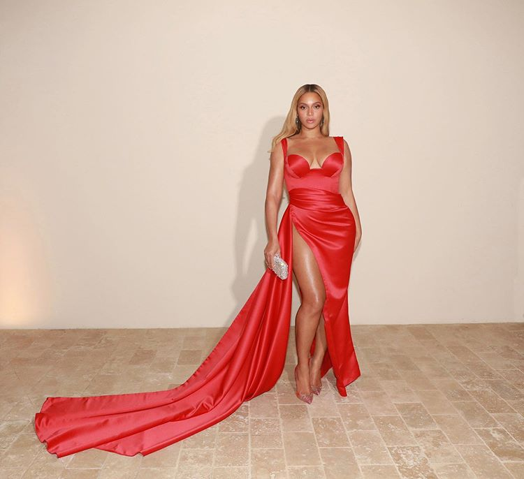 Checkout Beyonce's dazzling look for Clive Davis annual Pre-Grammy Gala (Photos)