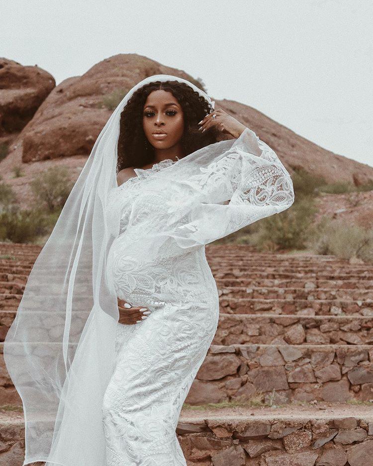 Fashionista Ronke Raji Flaunts Baby Bump, Nigerian Reacts