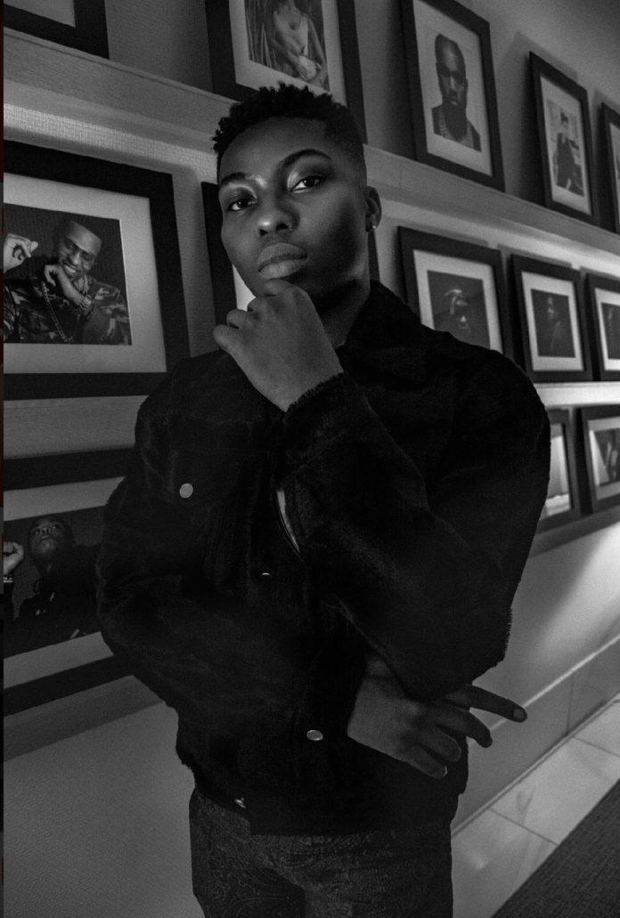 Reekado Banks flips twitter fan over tweet
