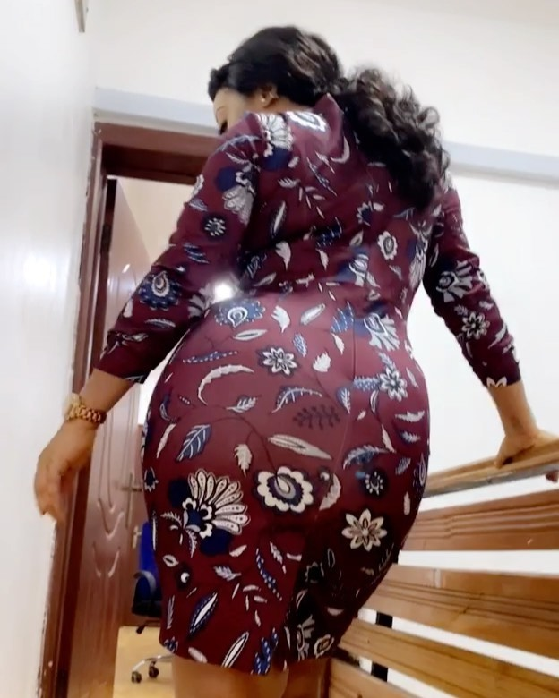 Curvaceous actress Moyo Lawal Cries Out (video)