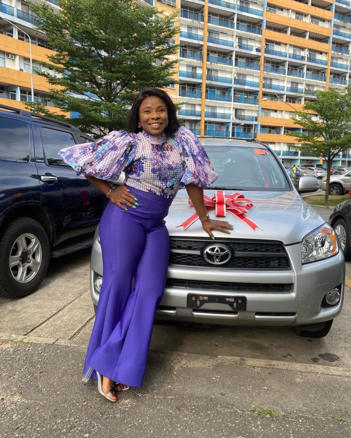 Former Ultimate Love Guest, Bola Gifted A Car By Her Fans (Video)