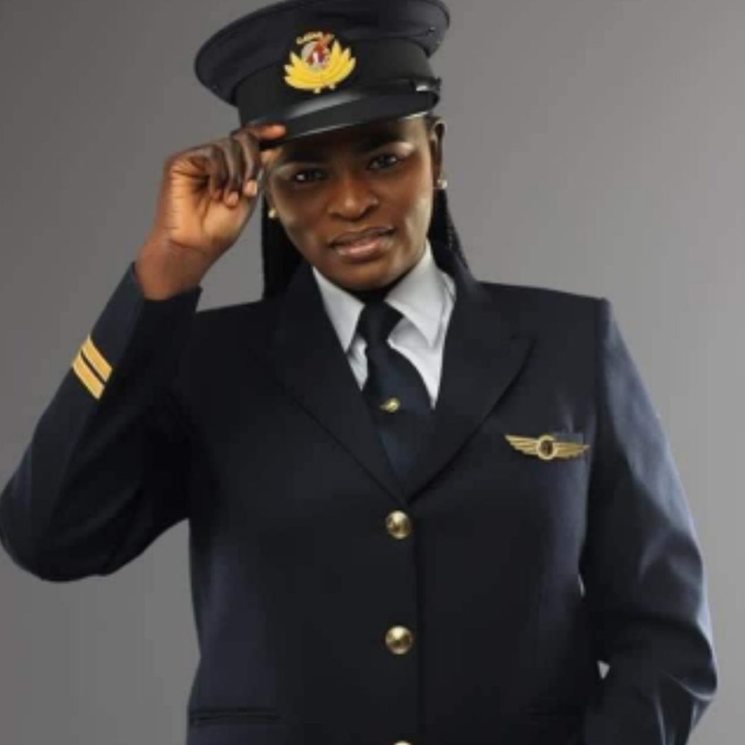 Facts you should know about Adeola Ogunmola, first Nigerian female pilot to fly Qatar Air to Abuja