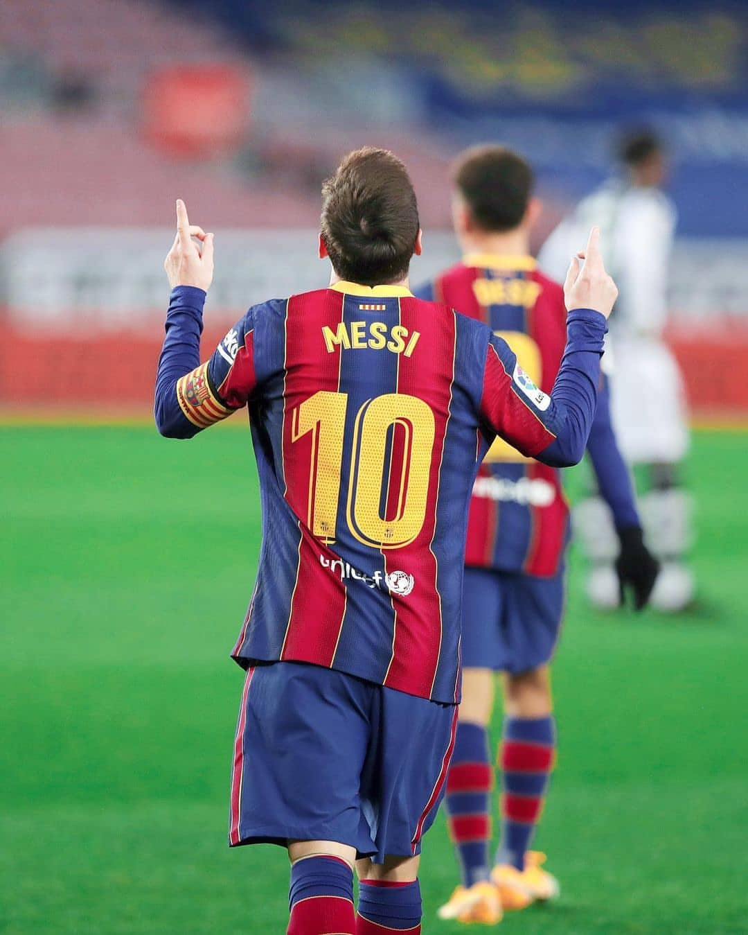 Lionel Messi equals Pele's one-club goal tally as he hits 643 goals with Barcelona